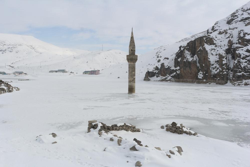 Ağrı'da barajda minare görenler gözlerine inanamıyor galerisi resim 10