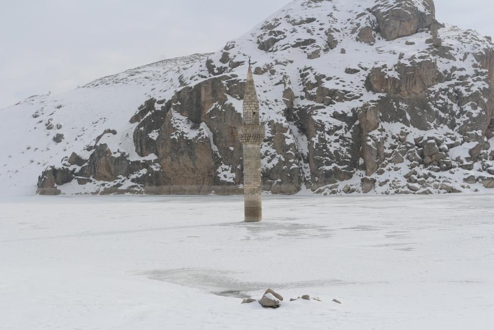 Ağrı'da barajda minare görenler gözlerine inanamıyor galerisi resim 11