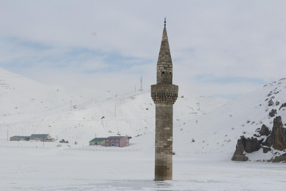 Ağrı'da barajda minare görenler gözlerine inanamıyor galerisi resim 7