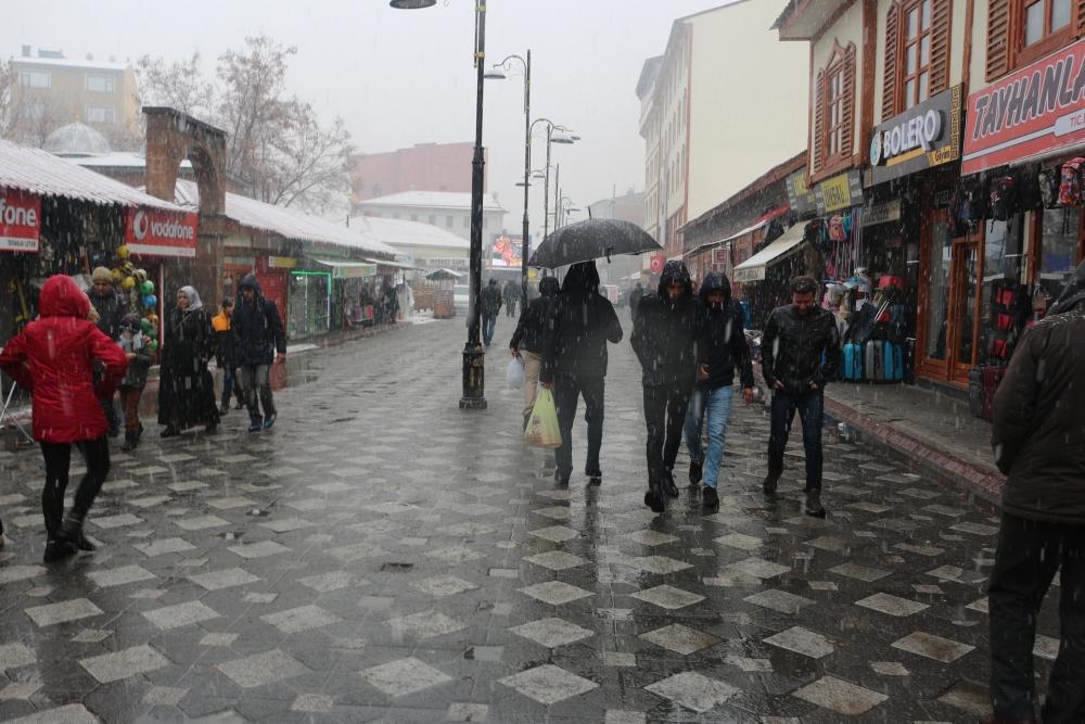 Ağrı'da kar yağışı etkili oluyor galerisi resim 6
