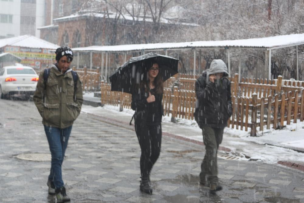 Ağrı'da kar yağışı etkili oluyor galerisi resim 9