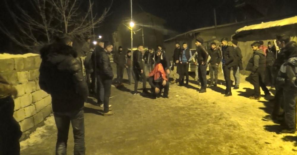 Ağrı'da Kürtçe ve Türkçe şarkılar eşliğinde asker uğurladılar galerisi resim 6