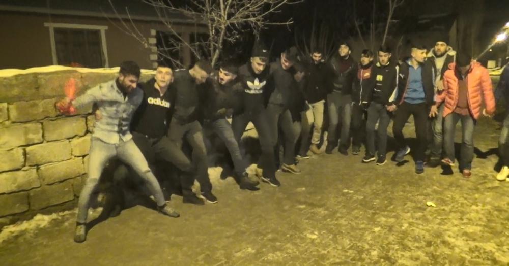Ağrı'da Kürtçe ve Türkçe şarkılar eşliğinde asker uğurladılar galerisi resim 7