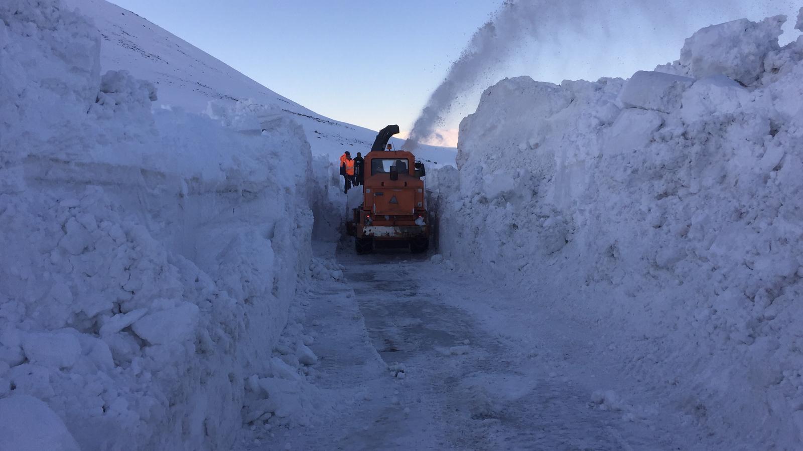 10 gündür kapalı olan Ağrı-Kars yolu ulaşıma açıldı