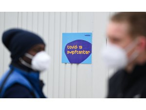Berlin'de sokakta maske takma zorunluluğu kaldırılıyor