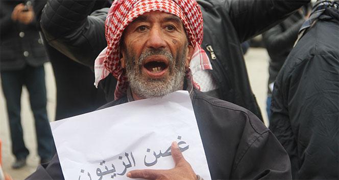 Suriyeliler gönüllü askerlik için sıraya girdi