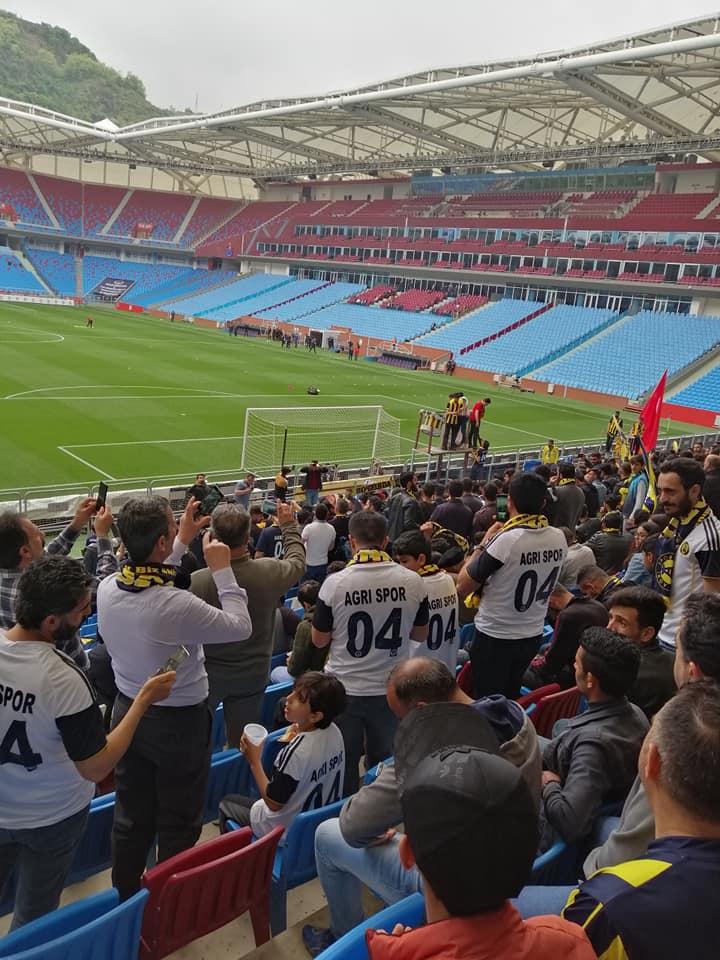 Ağrıspor umutlarını son maça bıraktı