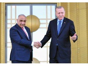 Irak Başbakanı Abdulmehdi'yi resmi tören ile karşılandı