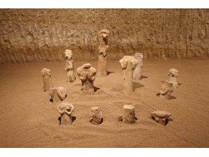 Kapadokya'da 7 bin yıllık heykelcikler sergileniyor