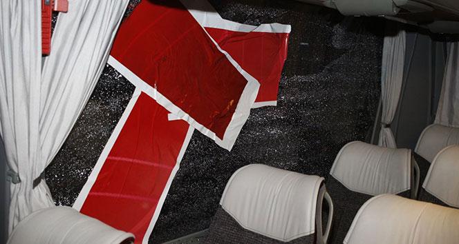 Denizli'de Antalya Spor otobüsüne taşlı saldırı