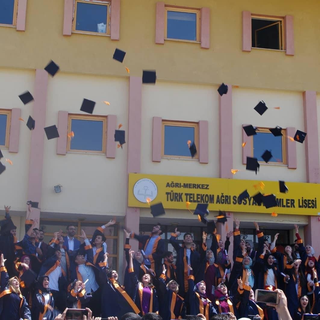 Ağrı'da 82 öğrenciden 53'ü üniversite sınavını kazandı