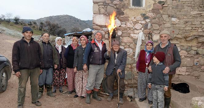 Bir asırdır köyde elektrik yok