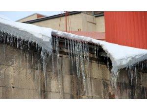 Termometreler eksi 15 dereceyi gösterdi