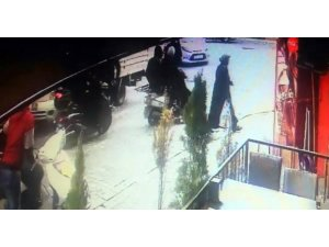 Vatandaşların kovaladığı hırsızlar motosikleti bırakıp kaçtı