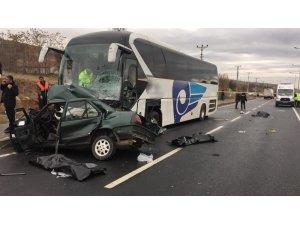 Kırşehir'de feci kaza: 3 ölü 1 yaralı
