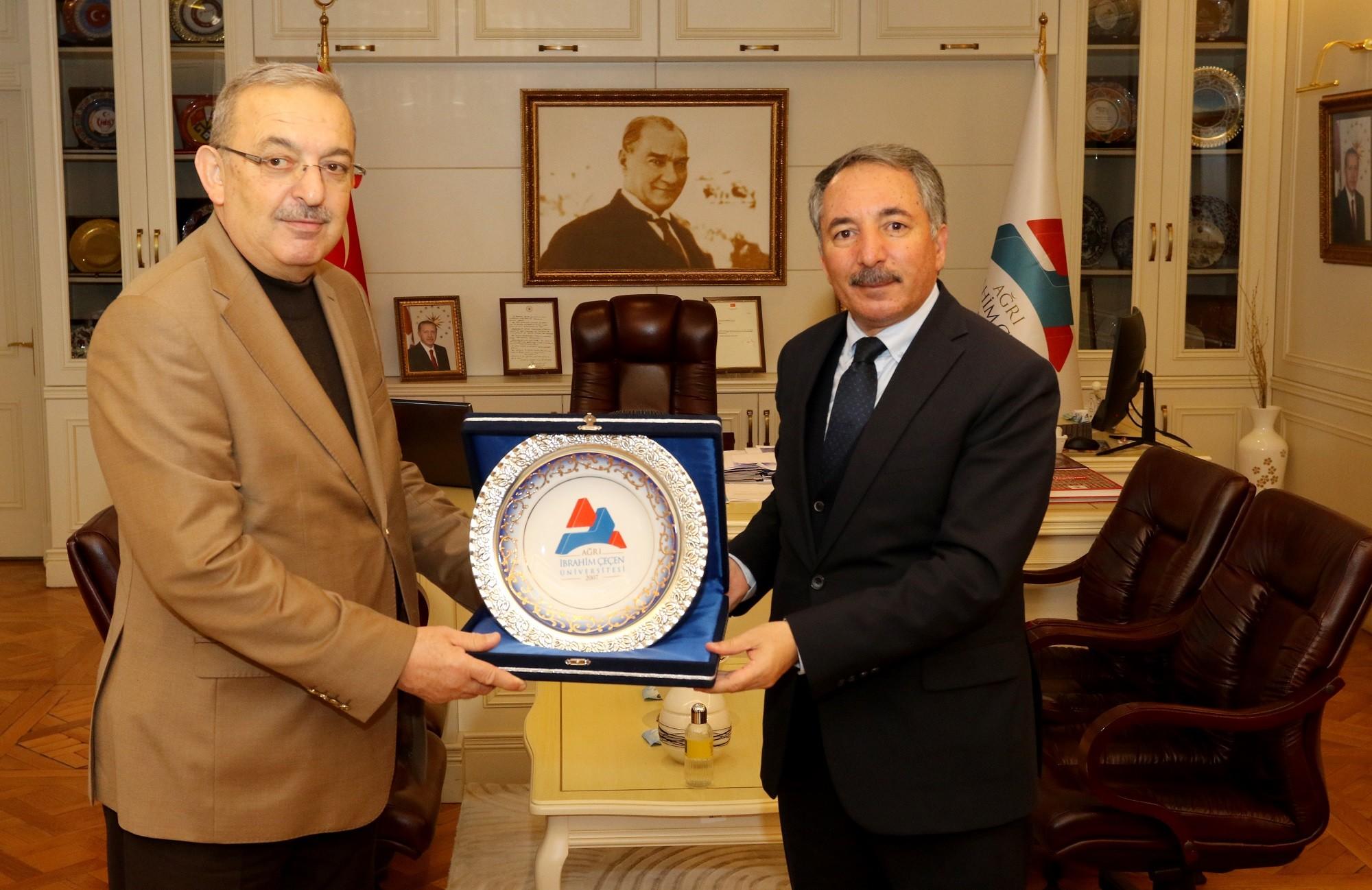 Rektörü Karabulut, Diyanet-Sen Genel Başkanı Bayraktutar'ı ağırladı