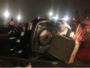 Eskişehir'de otomobil aydınlatma direğine çarptı: 1 ölü