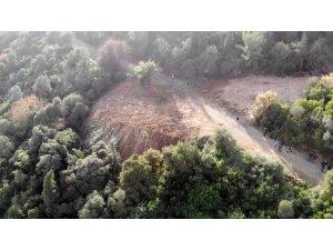 Büyükada'da itlaf edilen atların gömüldüğü dev çukurlar havadan görüntülendi