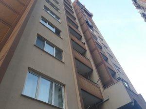İzmir'de 4. kattan beton zemine düşen 2 yaşındaki minik Helin öldü