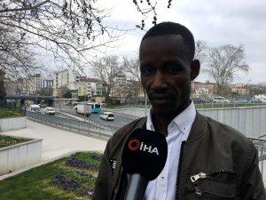 Senegalli turiste hakaret eden taksiciye para cezası