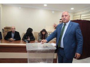 Ceylanpınar'da Belediye Başkanı Feyyaz Soylu oldu