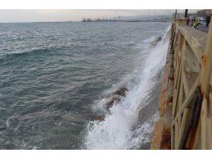 Marmara'da deniz ulaşımına lodos engeli