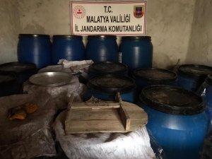 Malatya'da 6 ton sahte içki ele geçirildi