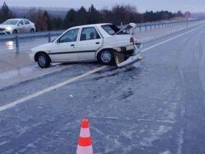 Kar yağışı kazaya neden oldu: 6 yaralı