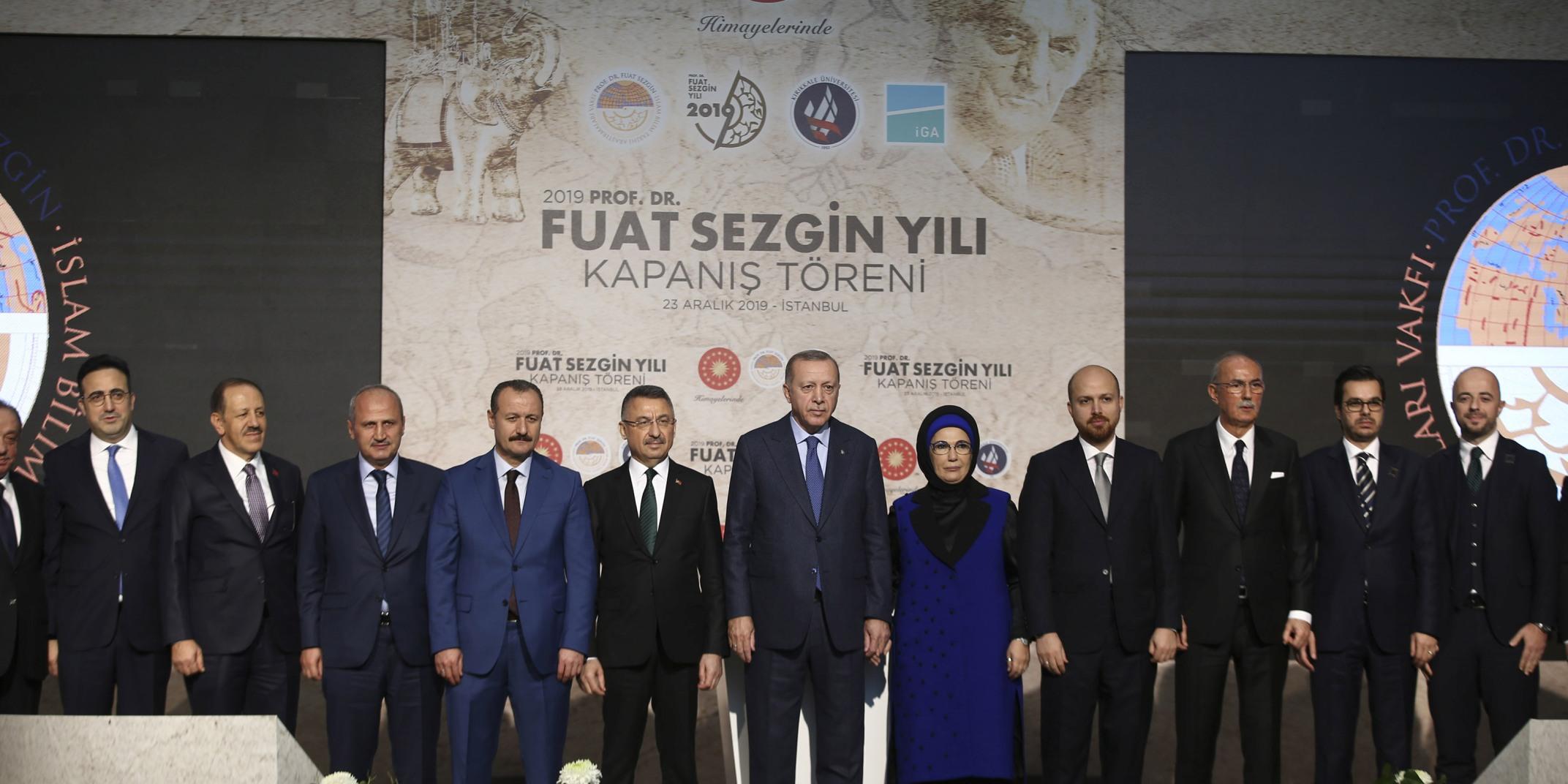 """Rektör Karabulut,""""2019 Prof. Dr. Fuat Sezgin Yılı"""" Kapanış Törenine Katıldı"""