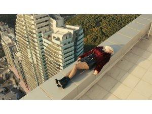 Ömür Gedik klip çekimi için 46 katlı gökdelenin çatısına çıktı