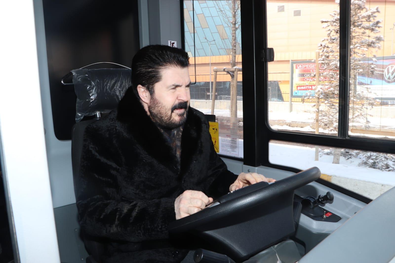 Ağrı'da 20 yeni otobüs daha hizmete başladı