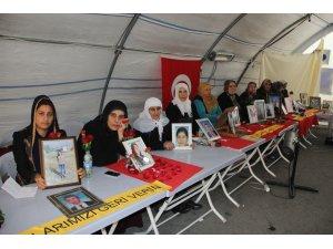 HDP önündeki ailelerin evlat nöbeti 134'üncü gününde
