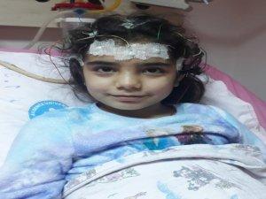 Minik Nur yaşayabilmek için destek bekliyor