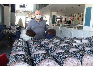 130 kutu pasta virüsle mücadele yapılan 3 hastaneye götürüldü