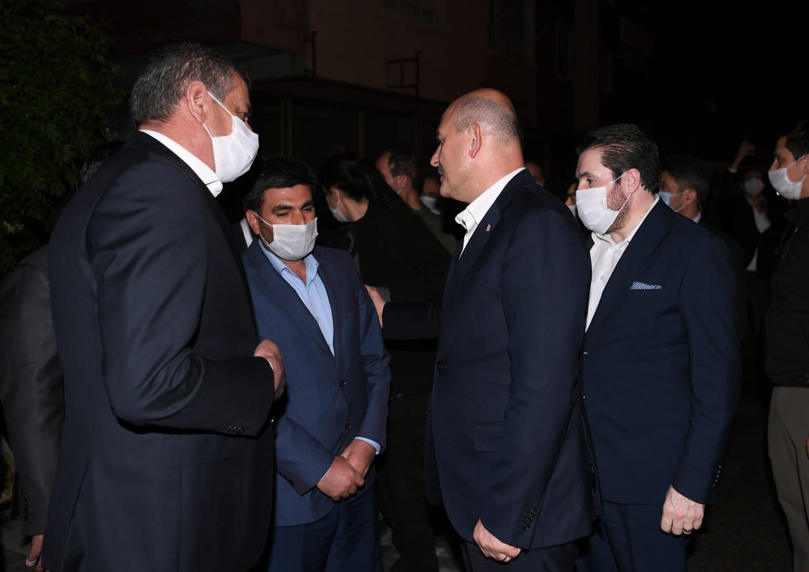 Bakan Soylu ve Başkan Sayan'dan Ağrılı Barış Çakan'ın ailesine taziye ziyareti