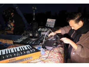 Dünyaca ünlü DJ Ben Böhmer, Kapadokya'da balonda DJ performansı sergiledi