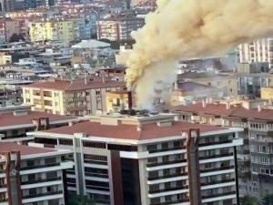 İzmir'de restoranın ızgarasından çıkan yangın paniğe neden oldu