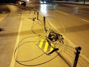 Kontrolden çıkan lüks otomobil defalarca takla attı: 3 yaralı