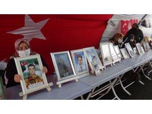 HDP önündeki ailelerin evlat nöbeti 397'nci gününde