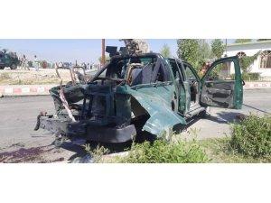 Afganistan'da Laghman Valisi Yarmal'ın konvoyuna bombalı saldırı: 8 ölü