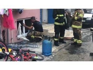 Bursa'da 5 katlı binadaki yangında korku dolu anlar yaşandı