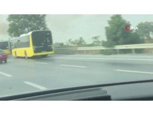 Arnavutköy'de seyir halindeki otobüste yangın