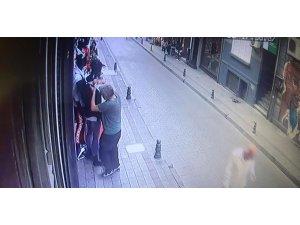 """Kadıköy'de güpegündüz """"yok artık"""" dedirten hırsızlık"""