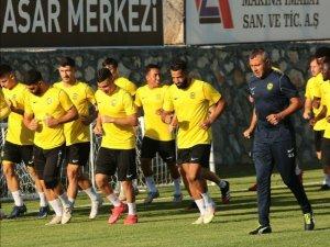 Yeni Malatyaspor, transfer sezonunda 17 ismi kadrosuna kattı