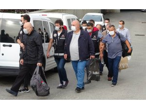 FETÖ operasyonunda 8 eski polis adliye sevk edildi