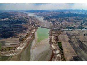 İstanbul'da ektili olan sağanak yağmur barajlara etki etmedi