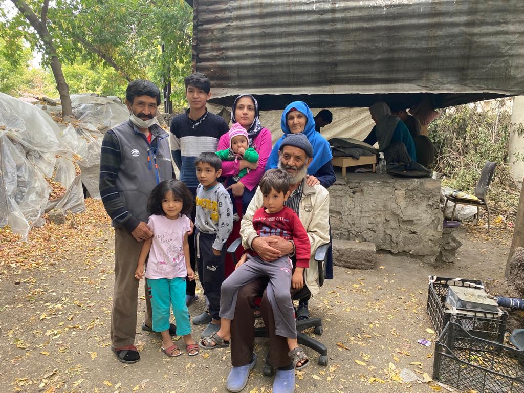 Tandır Ekmeği Afgan Şair ve Ailesinin Geçim Kaynağı Oldu