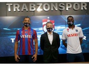 Trabzonspor'un yeni transferleri Vitor Hugo ve Djaniny Semedo için imza töreni düzenlendi