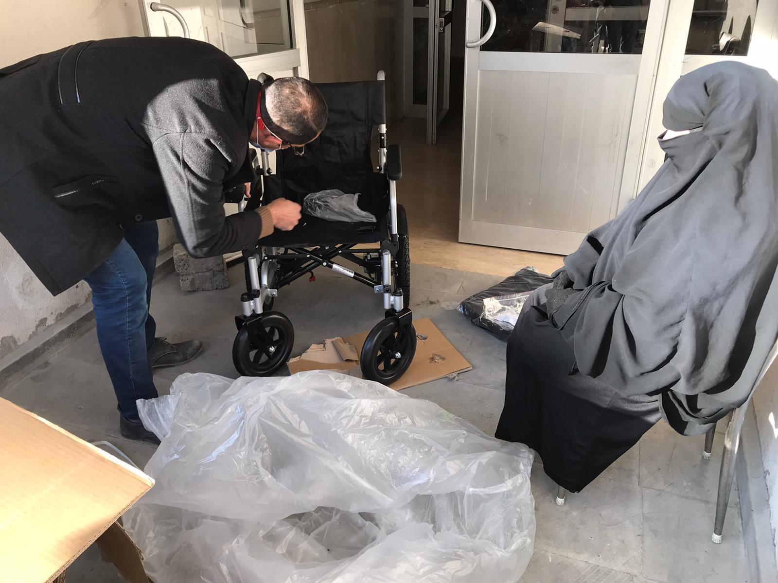 Cam kemik hastası kadın, hayalini kurduğu akülü sandalyesine kavuştu