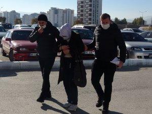 Bebeğini dondurucu soğukta ölüme terk eden anne tutuklandı